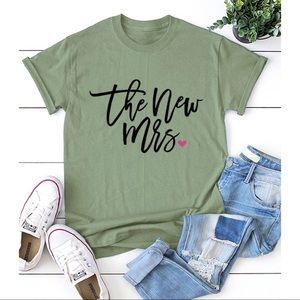 """Printed Tee """"The New Mrs"""""""